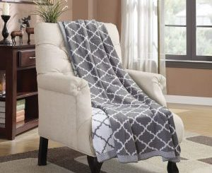 Bedsure Designs Knitted Throw Blanket